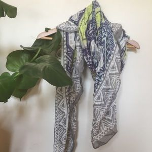 Lightweight Printed Viscose Spring Scarf/Shawl